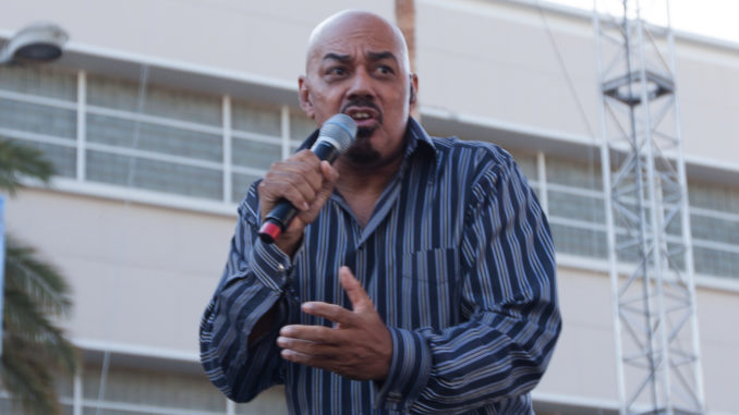 Singer James Ingram in performance, November 2012 (Photo: pinguino k / flickr / Wikimedia Commons)