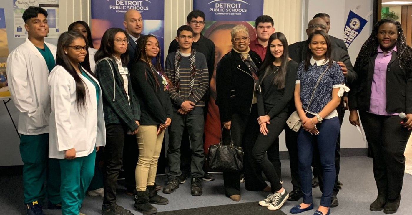 Students from Detroit DSA, Southeastern, Western, and Ben Carson take a picture with Dr. Nikolai Vitti, Dr. Curtis L. Ivery, and Deborah Hunter-Harvill.
