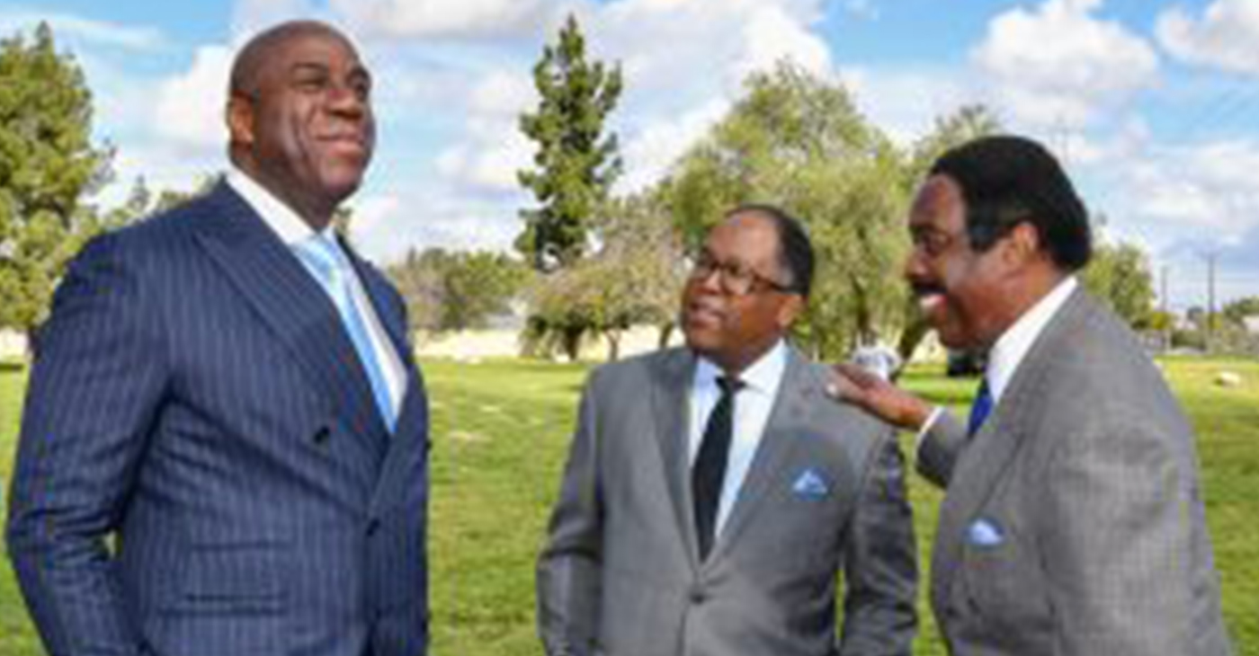 "(left to right) Earvin ""Magic"" Johnson, Supervisor Ridley-Thomas, and CBS' Jim Hill at Magic Johnson Park Renovation Groundbreaking. (Photo by Martin Zamora / Board of Supervisors)"