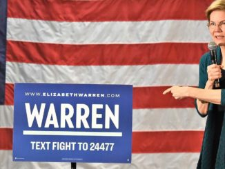 """Declaring a need for """"big, systematic change in this country,"""" U.S. Elizabeth Warren advocated a constitutional amendment that guarantees every voter's vote is counted. (Photo Gary S. Whitlow/GSW Enterprises for The New Tri-State Defender)"""