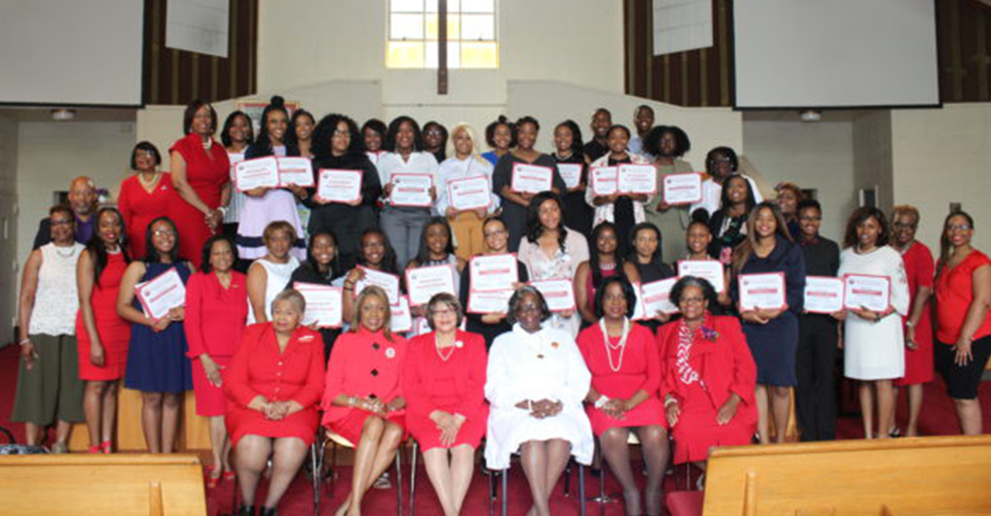 Scholarship award winners with members of the Birmingham Alumnae Chapter of Delta Sigma Theta Sorority, Inc. (Ameera Steward Photo, The Birmingham Times)