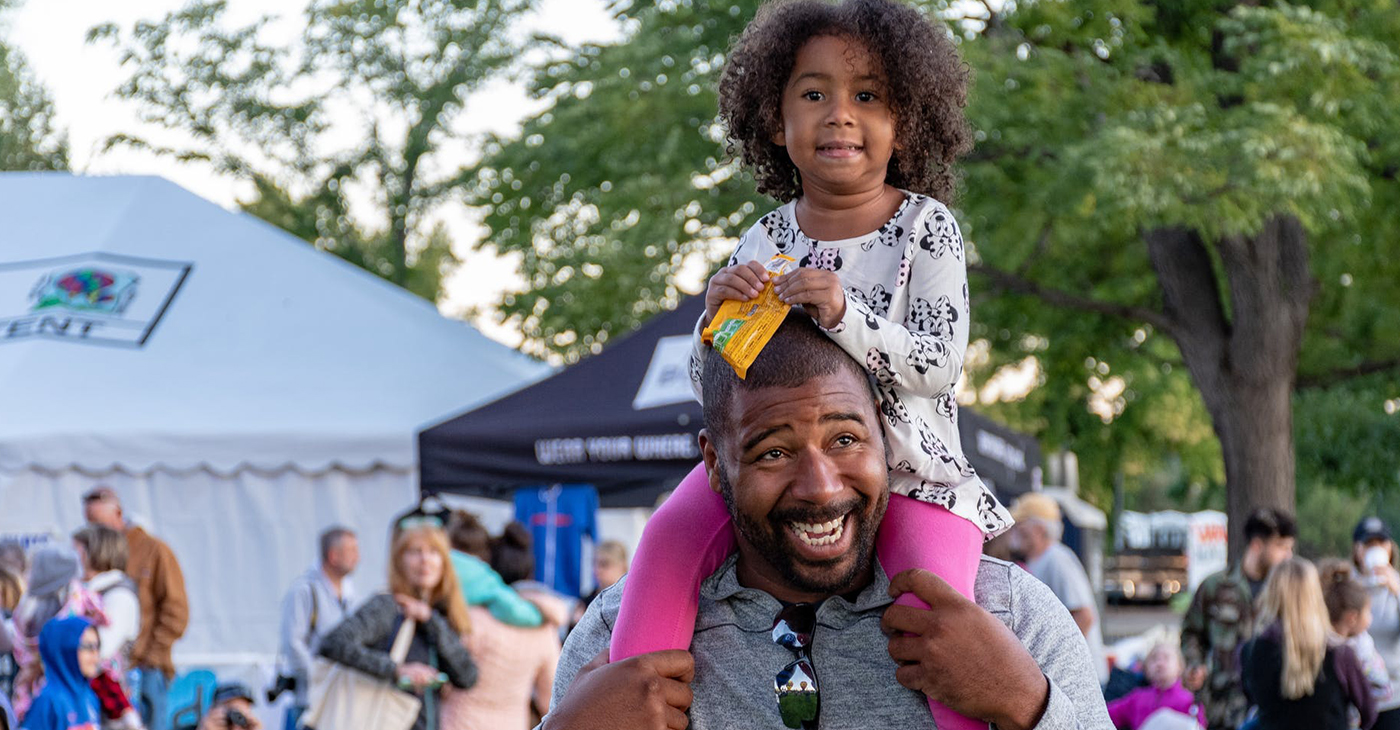 Black Father (Photo by: Brett Sayles | Pexels.com)